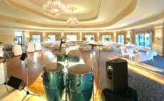 ny wedding band at Oheka Castle